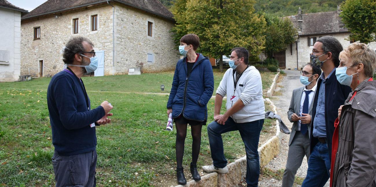 C'est MON patrimoine, présentation des ateliers aux partenaires du projet : membres de l'ADEA01 et de la DDCS © Maison d'Izieu
